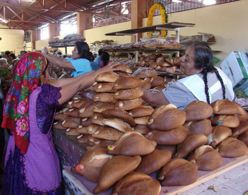Imagen de Vendedora de panes de muerto
