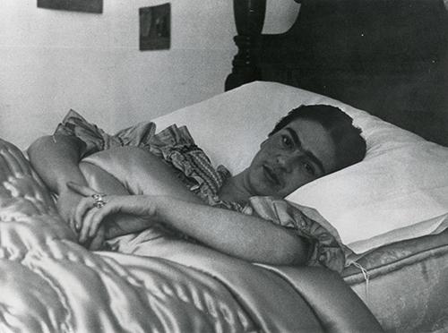 Imagen de Frida Kahlo en su Lecho. Copia Original