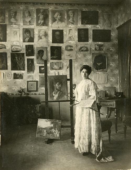 Imagen de Carmela Duarte en Su estudio de Roma